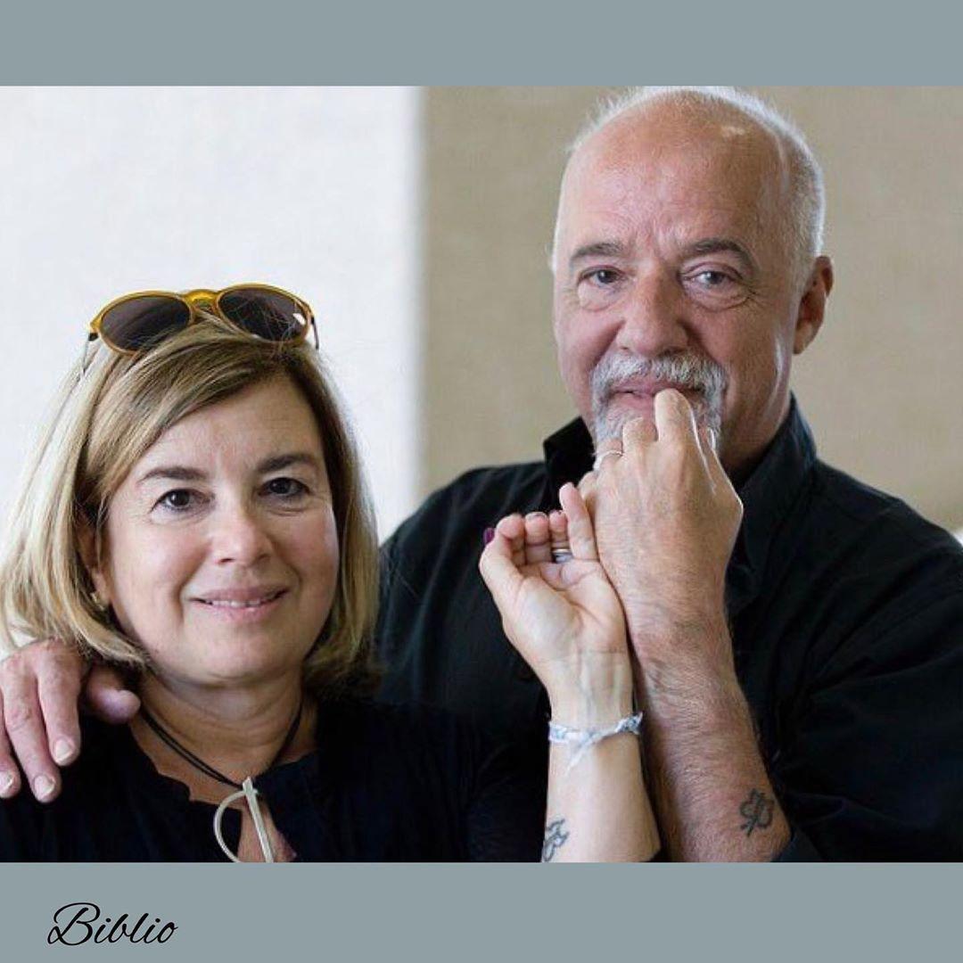 پائولو  با کریستینا اویتیسیکا، یک هنرمند و نقاش برزیلی، ازدواج کرده است.  در سال 2