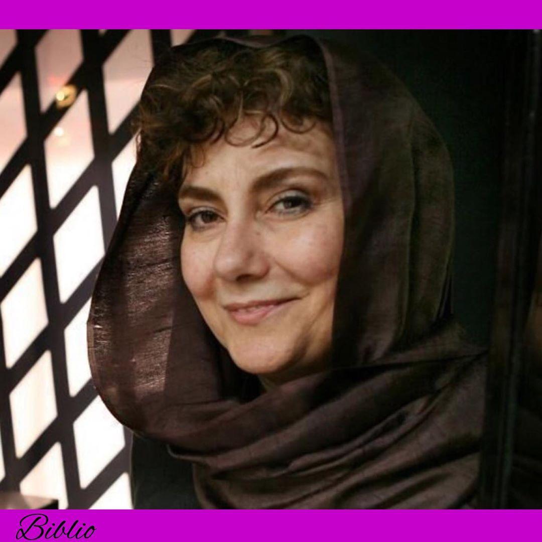 زویا پیرزاد، نویسندۀ ارمنی تبار اهل ایران،  در سال ۱۳۳۱ در آبادان به دنیا آمد و 2